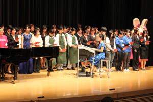 25-フィナーレ「きよしこの夜」7短大学生全員で合唱